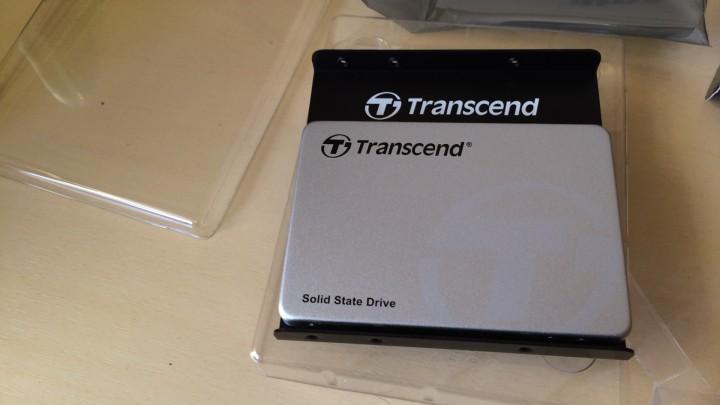 Transcend SSD370S 256GBをブラケットに固定