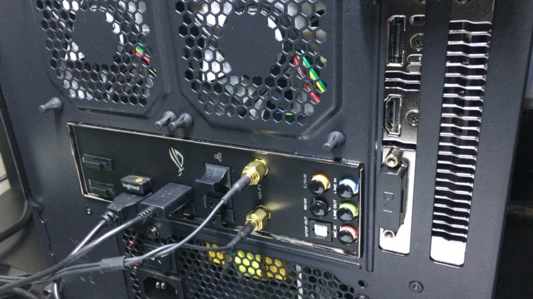 パソコンの空きコネクターカバー