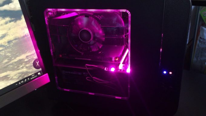 パソコンケース内をLEDで光らせたい