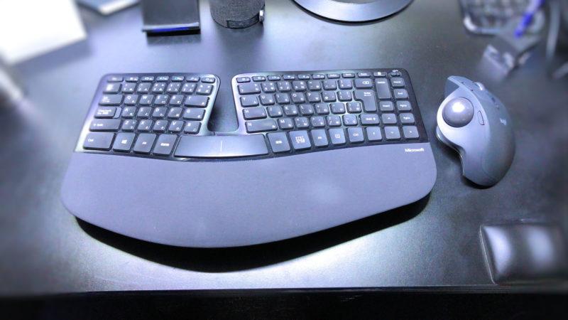 マウスとキーボード全体で腕への負荷を減らす