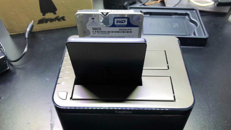 簡単なのはデュプリケーターを使ってHDDからSSDへクローン