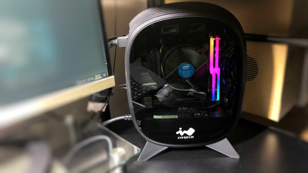 Mini-ITX専用PCケース「IN WinのB1」ゴールド電源付属で小さく丸みを帯びたオシャレな見た目